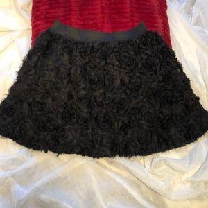 FREE PEOPLE black full frayed raised rose skirt